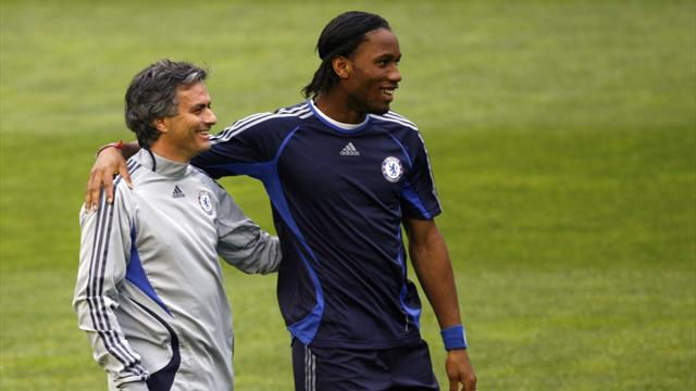 Drogba was 'in tears' when Chelsea sacked Mourinho - Sidwell