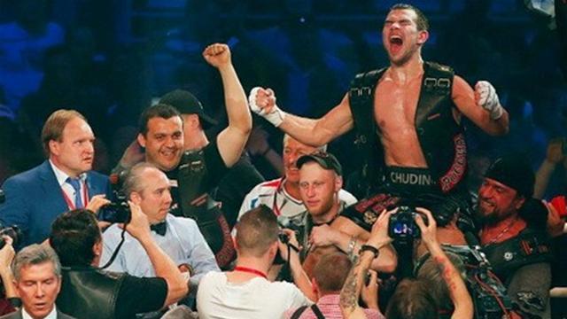 Чудинов защитил временный титул чемпиона мира в среднем весе