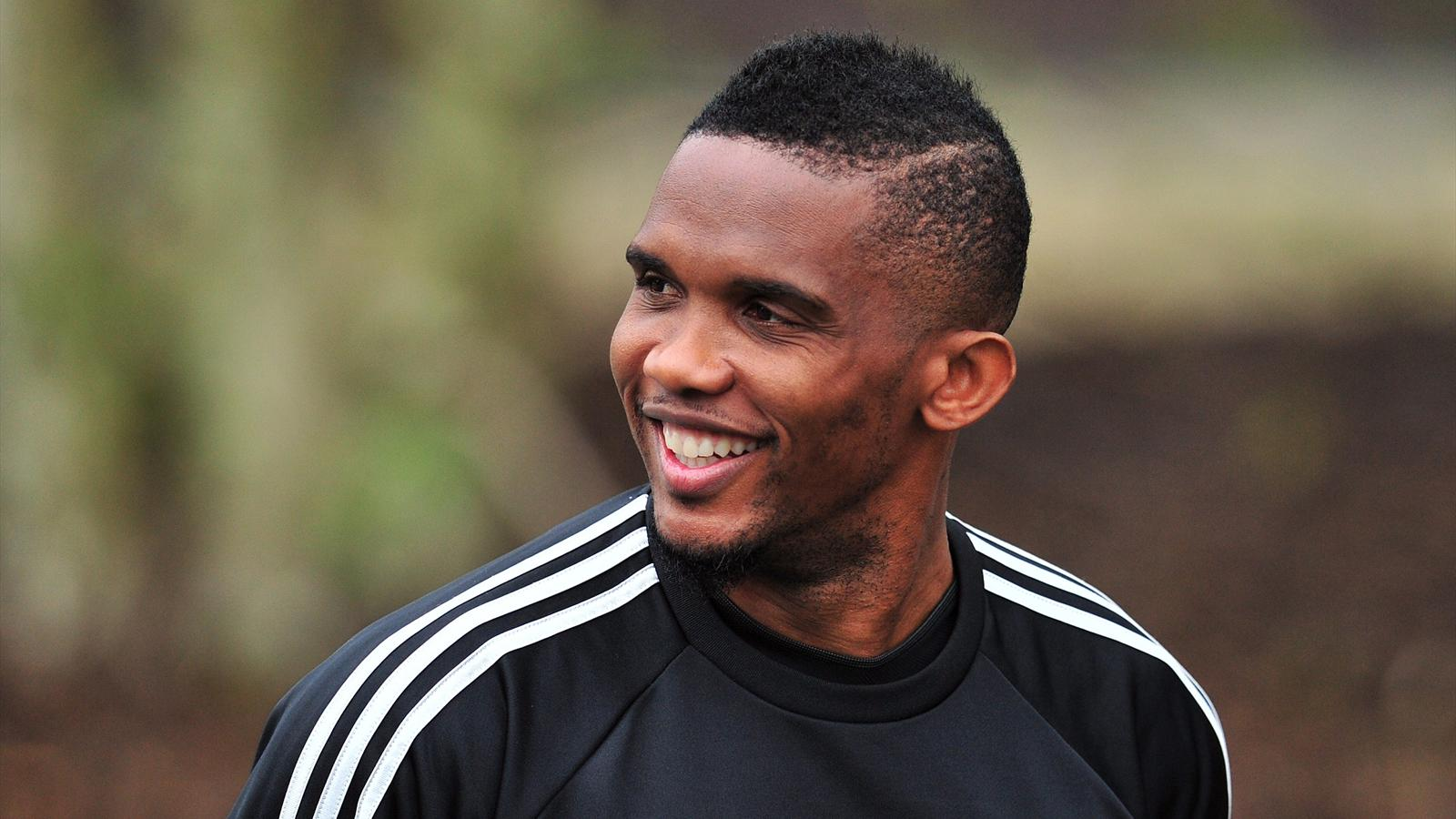 Chelsea's Cameroonian striker Samuel Eto'o arrives to attend a training session at Chelsea's training ground at Cobham