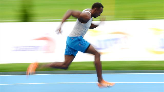 """9""""98: Bolt devient le premier homme sous les 10 secondes sur 100m... en salle"""