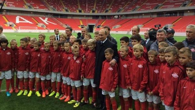 Путин: «Важно, чтобы российские футболисты были на ведущих ролях»