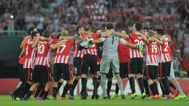 Athletic Bilbao oust shambolic Napoli