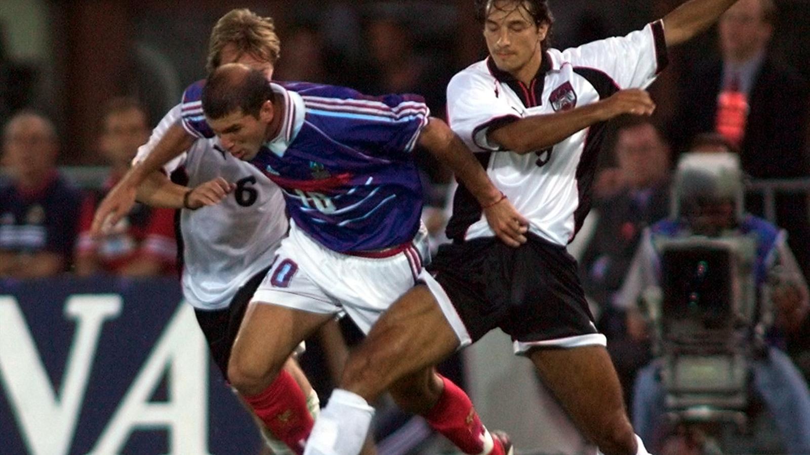 Zinédine Zidane avec la France contre l'Autriche en 1998.