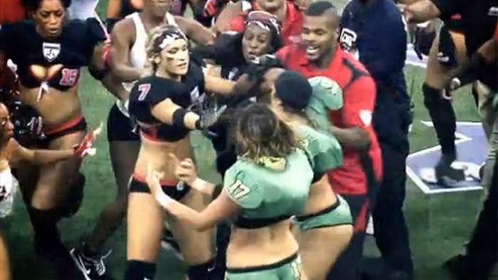El Deporte Mas Degradante Para Las Mujeres En Eeuu Futbol