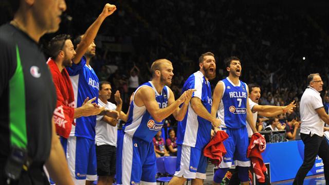 Испания, Греция и США прошли групповой этап без поражений