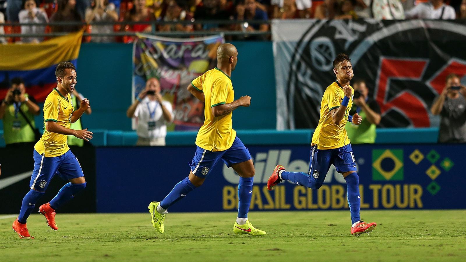 Le Brésil relève la tête face à la Colombie (1-0), David Luiz blessé au genou