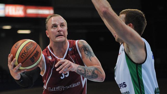 Литовский баскетболист застрелил жену и покончил с собой на глазах сына