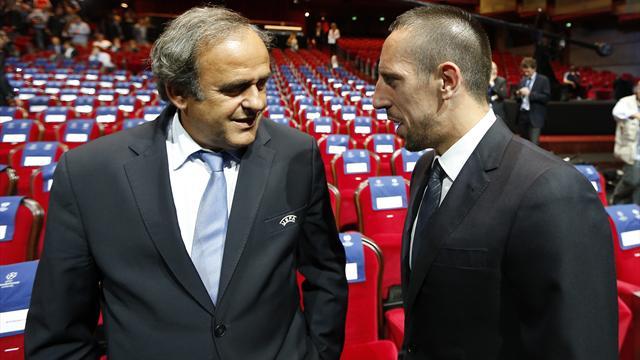 Platini menace de suspendre Ribéry s'il refuse de jouer en sélection