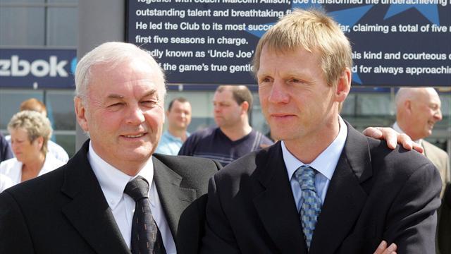 Пирс в 53 года подписал одноматчевый контракт игрока с худшей командой Англии