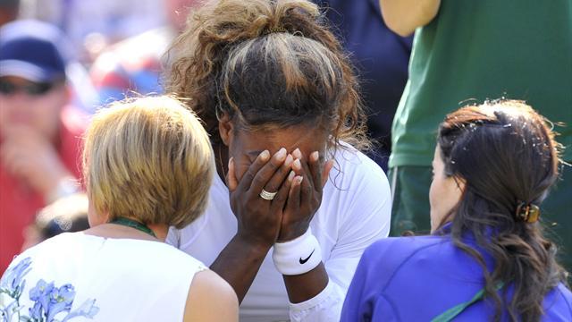 Serena Williams encore victime d'un malaise, Cornet en profite