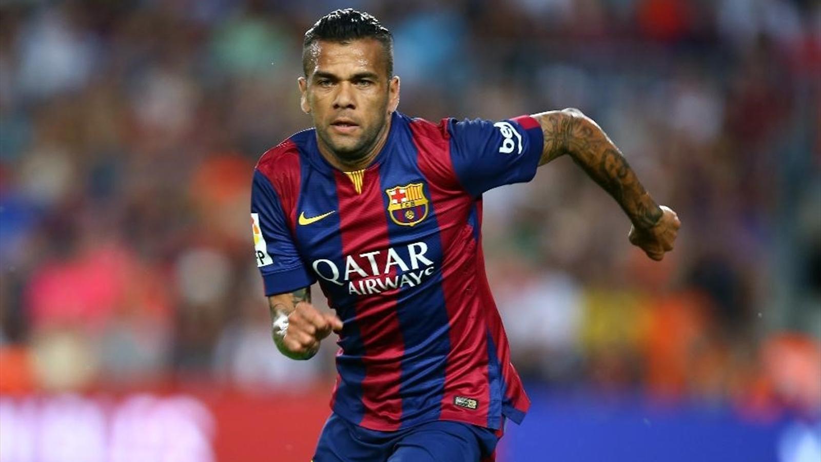 Dani Alves 'on verge of exit' as Barcelona talks stall - Liga 2011-2012 - Football - Eurosport