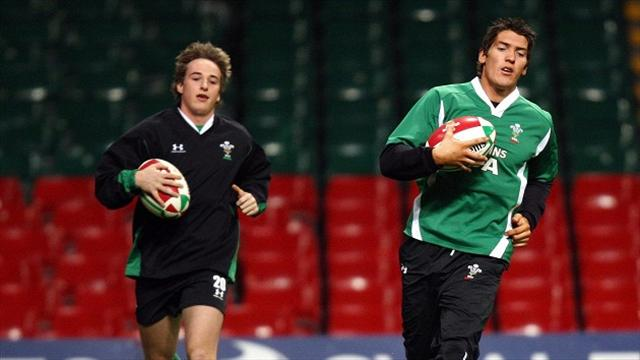 Leaders Ospreys brush aside Connacht