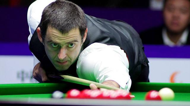 Ronnie O'Sullivan plays on despite broken ankle - Snooker