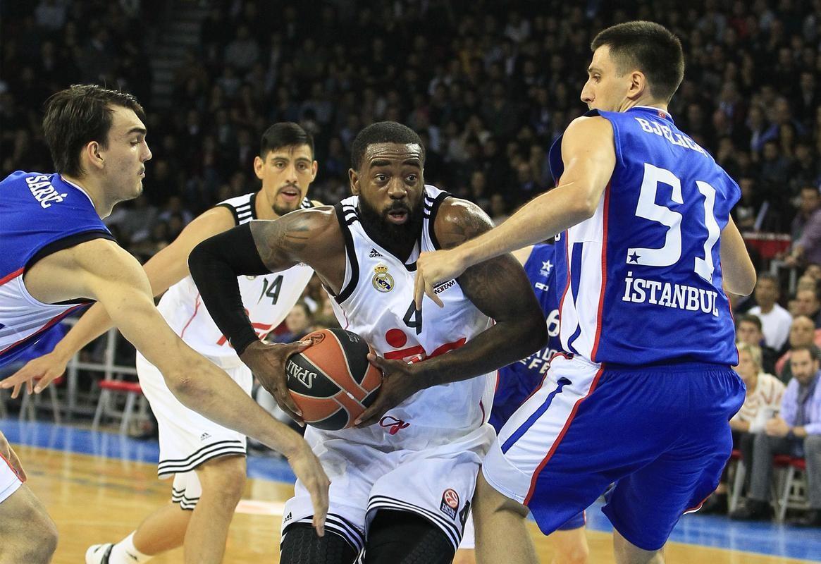 Olympiacos impide el pleno de equipos locales