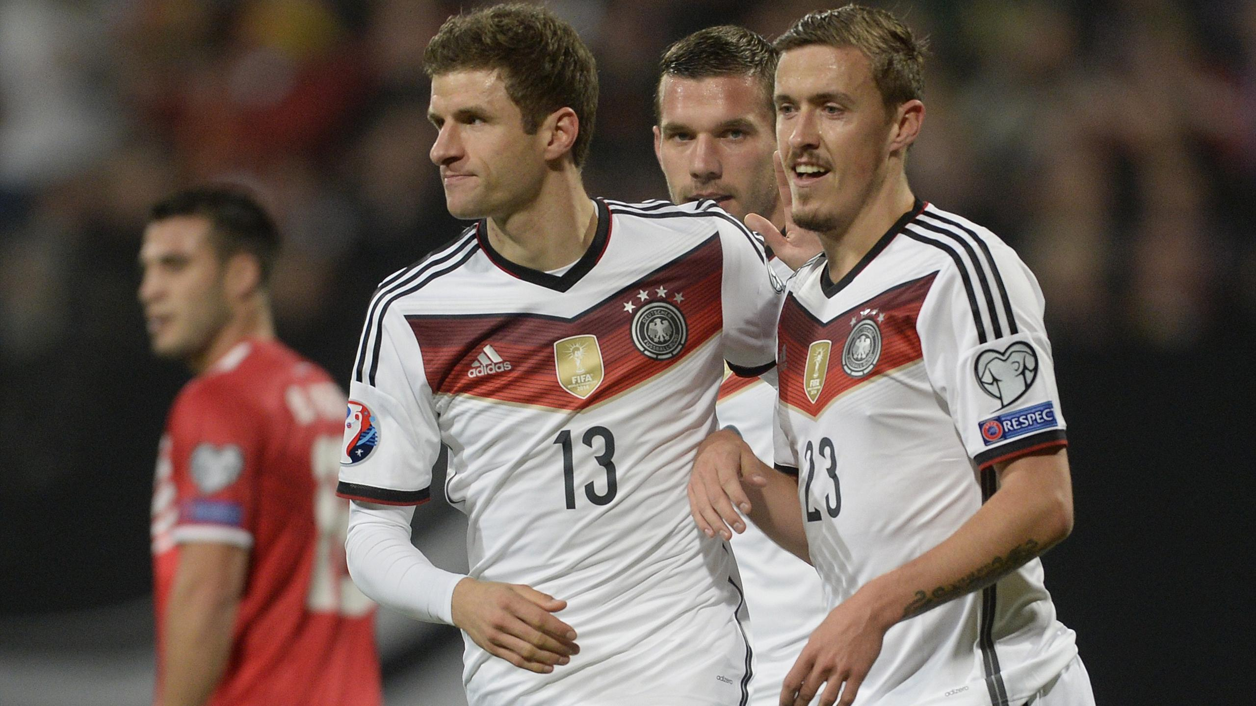 Thomas Müller, Lukas Podolski et Max Kruse face à Gibraltar