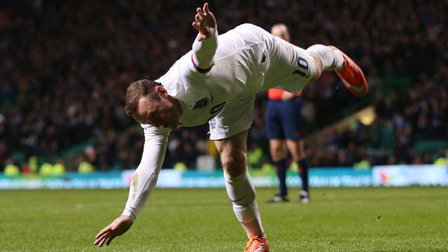 Rooney fait deux pas de plus vers le record de Charlton