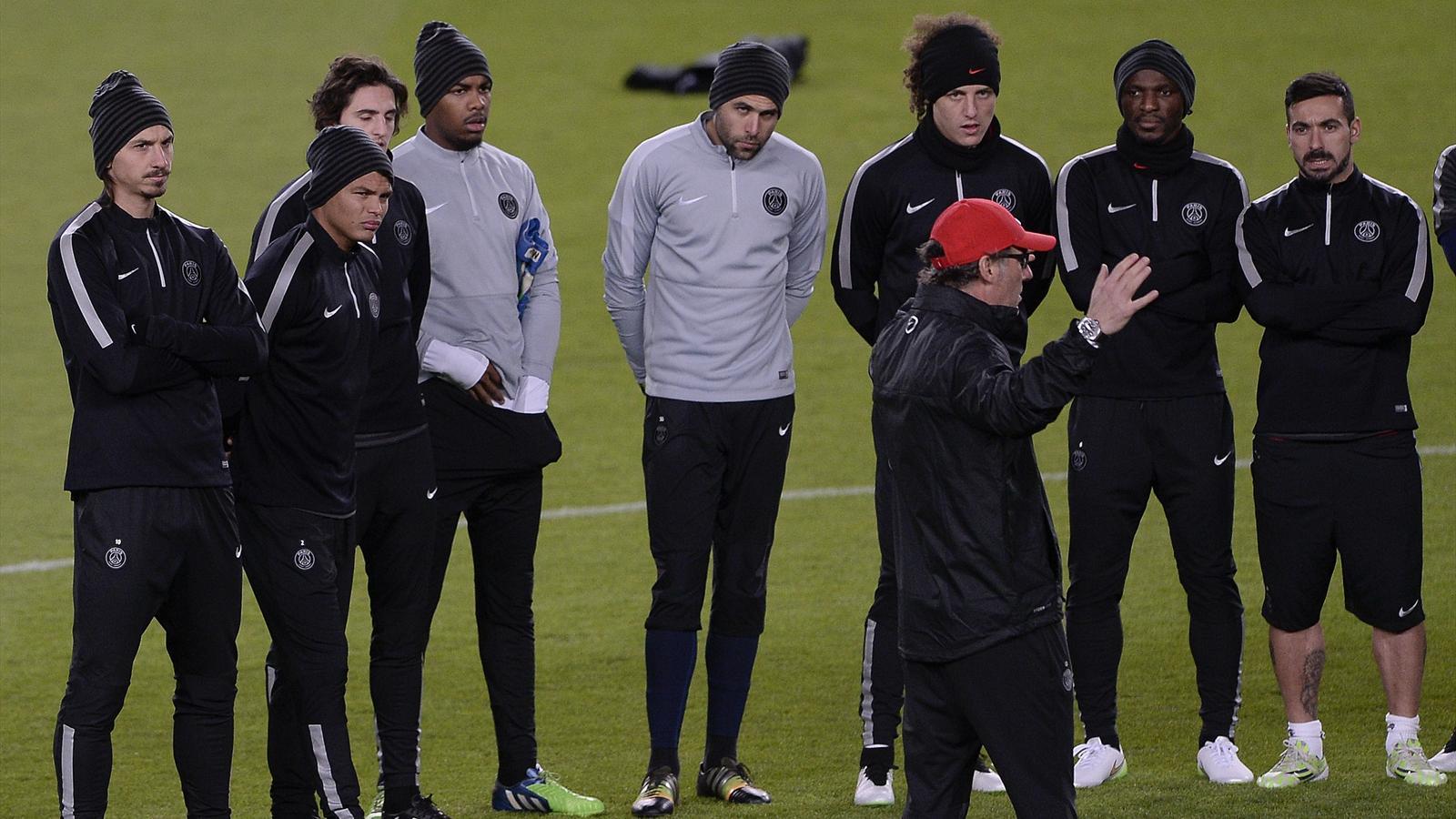 Laurent Blanc avec son équipe du PSG avant Barcelone - 2014
