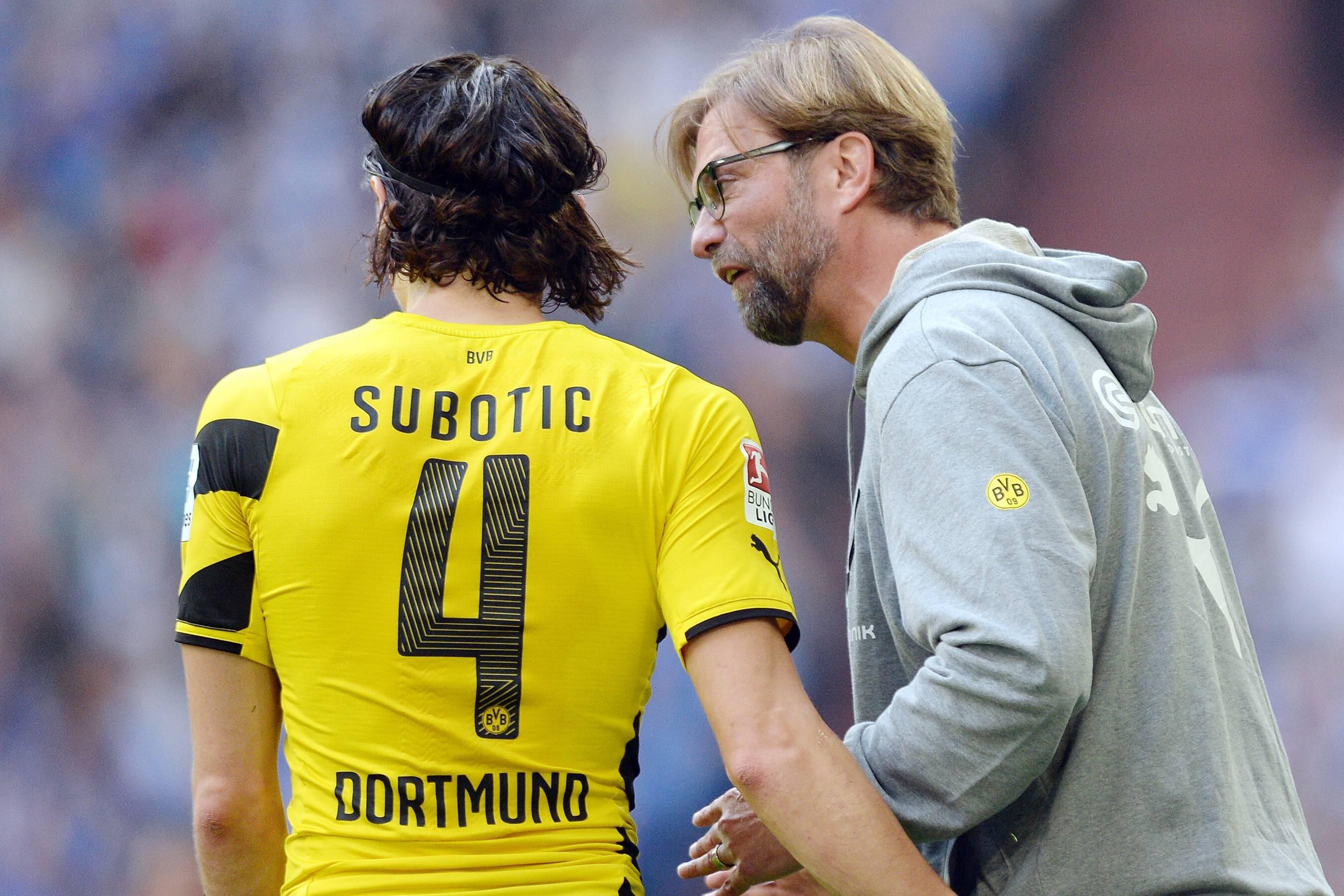 BVB-Coach Jürgen Klopp im Gespräch mit Neven Subotic