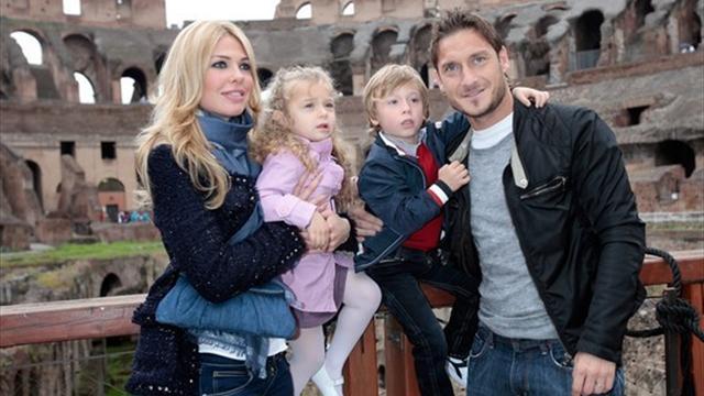 Жена Тотти: «Франческо пора завершать карьеру»