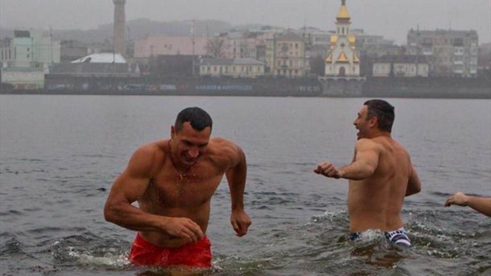 Крещение девушки фото киев