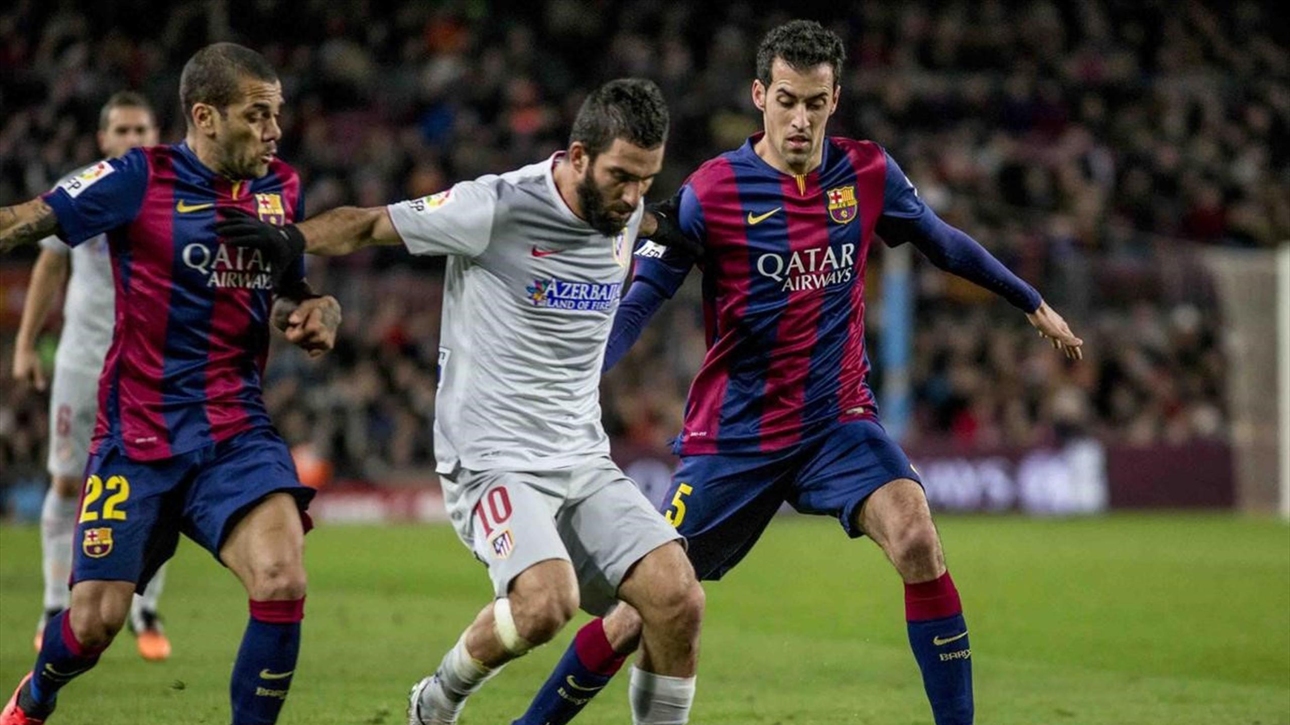 Арда Туран против «Барселоны» в бытность игроком «Атлетико»