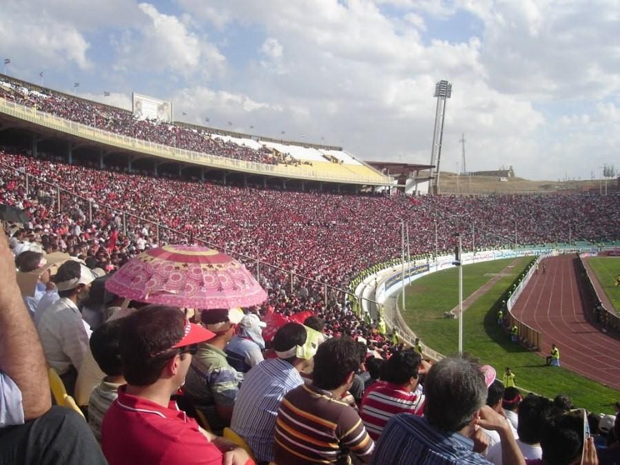 Стадион «Саханд»
