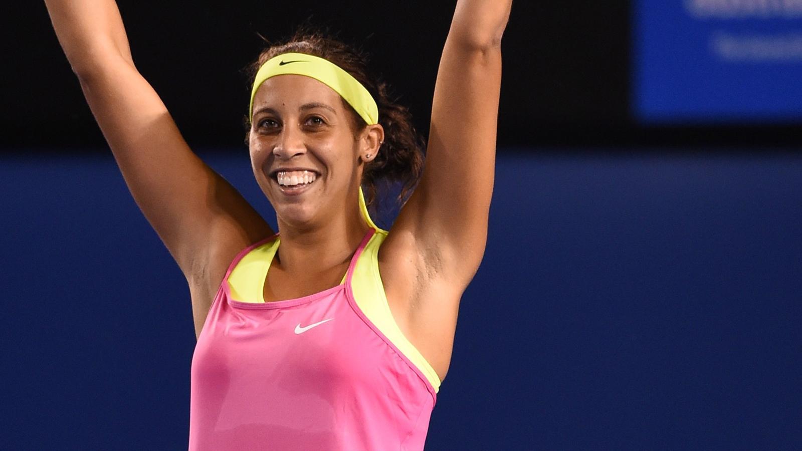 Madison Keys overcomes injury, Venus Williams to make semis