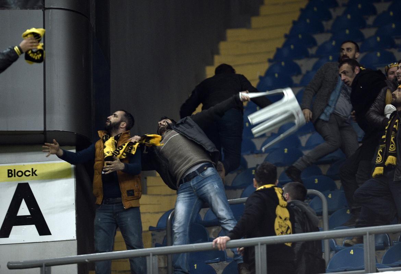 Fenerbahçe - Bayburt maçında gerginlik yaşandı