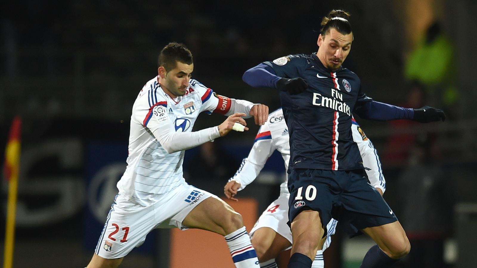 Lyon, Marsella y PSG dejan las cosas como estaban