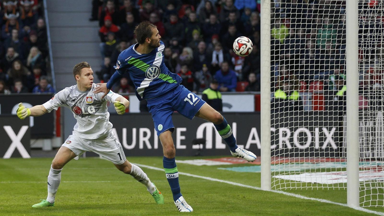 Leverkusen y Wolfsburgo homenajean al fútbol con nueve goles