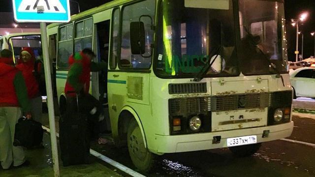 УНИКС предоставляет соперникам для передвижения автобус марки ПАЗ
