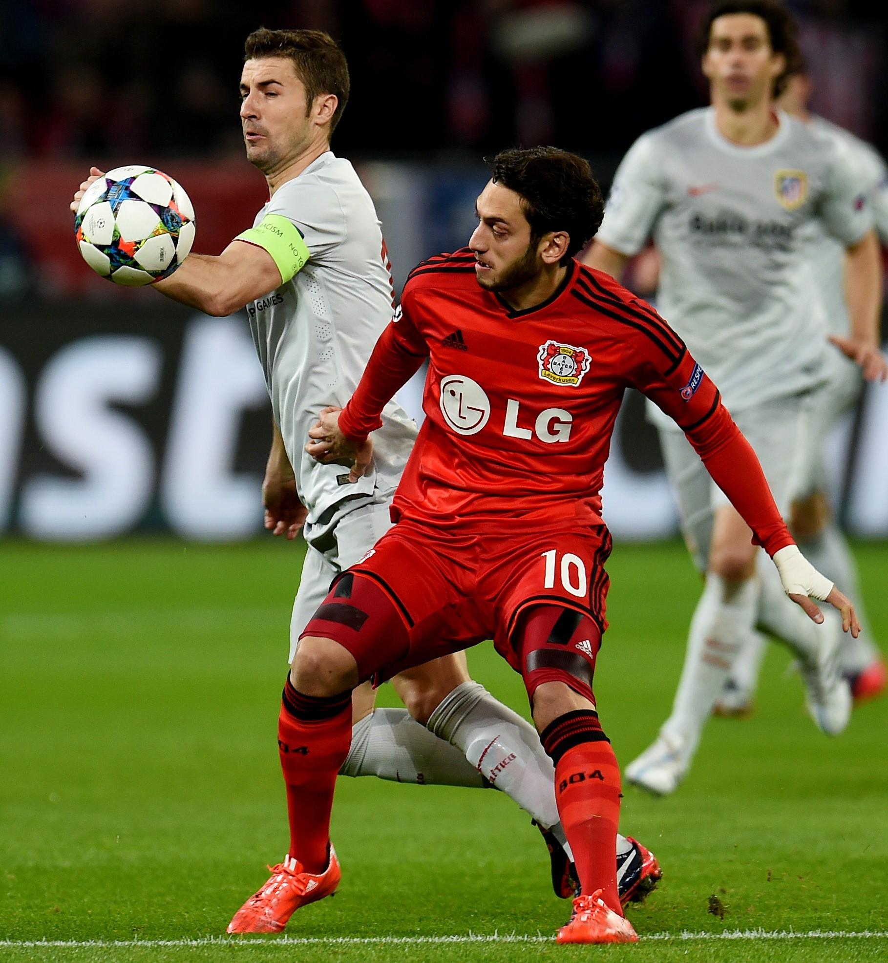 Hakan Çalhanoğlu, Bayer Leverkusen - Atletico Madrid