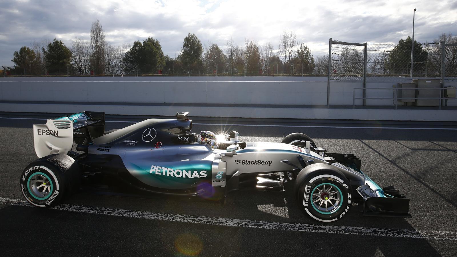 Spécial Sebastian Vettel (Formule un) - Page 11 1425505-30506898-1600-900