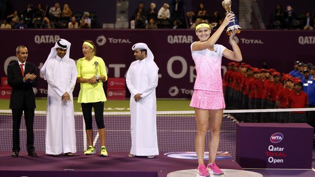 Ахи в Дохе. Азаренко громко проиграла Шафаржовой