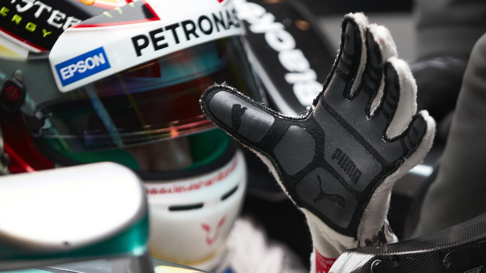 Spécial Sebastian Vettel (Formule un) - Page 12 1434477-30686418-1600-900