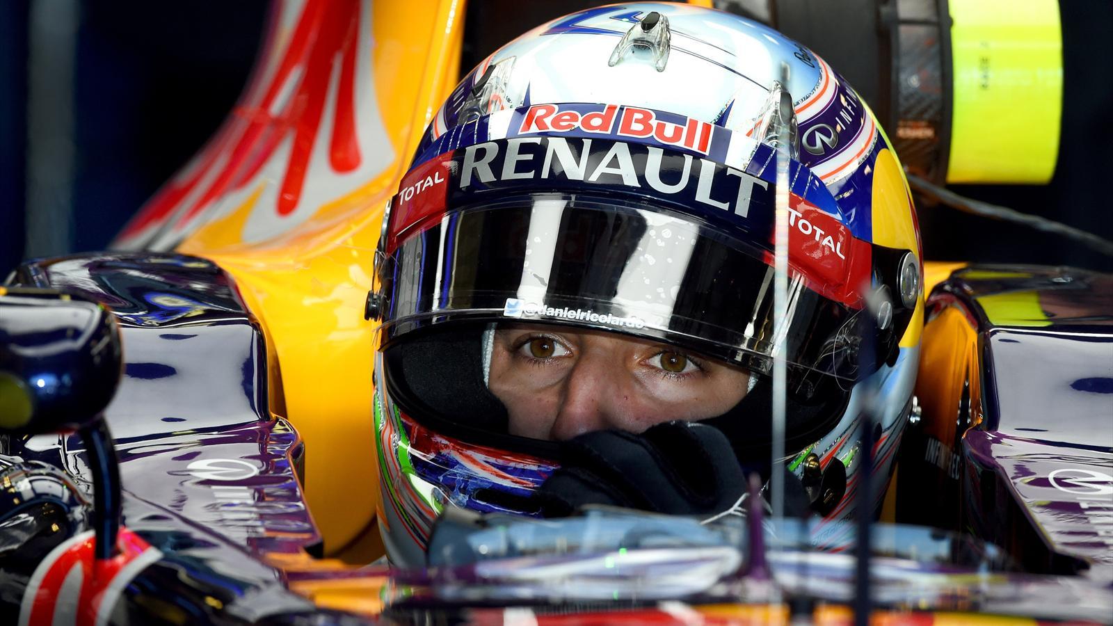 Spécial Sebastian Vettel (Formule un) - Page 18 1434876-30694398-1600-900