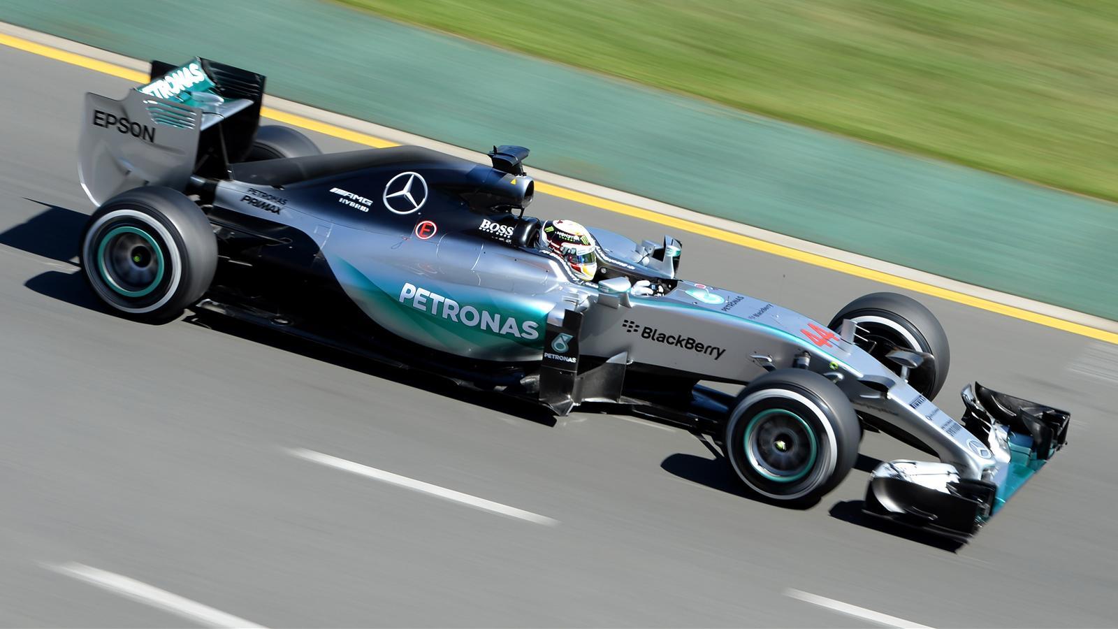 Spécial Sebastian Vettel (Formule un) - Page 12 1434884-30694558-1600-900