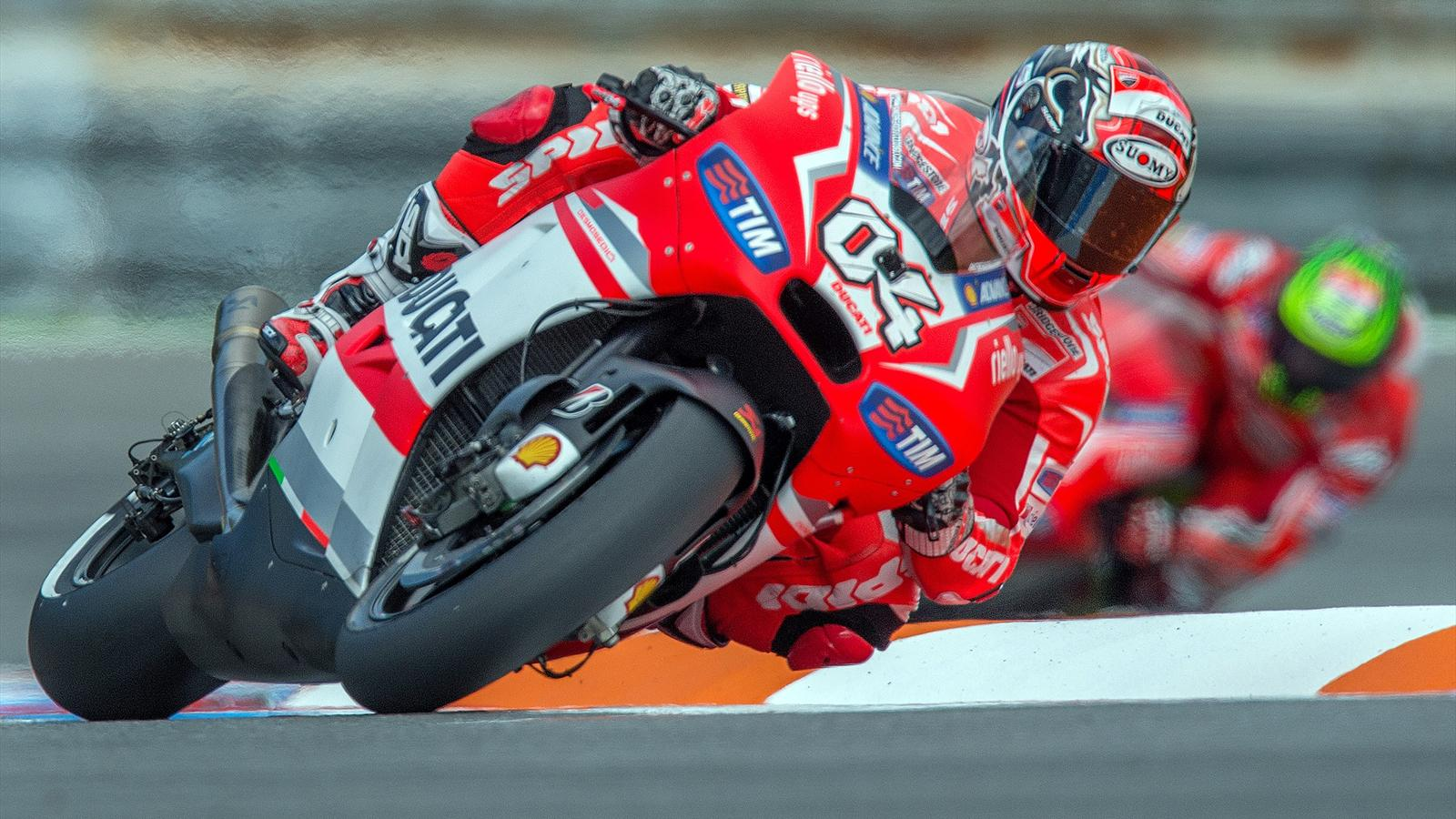 motogp grand prix du qatar andrea dovizioso ducati en position de pointe grand prix du. Black Bedroom Furniture Sets. Home Design Ideas