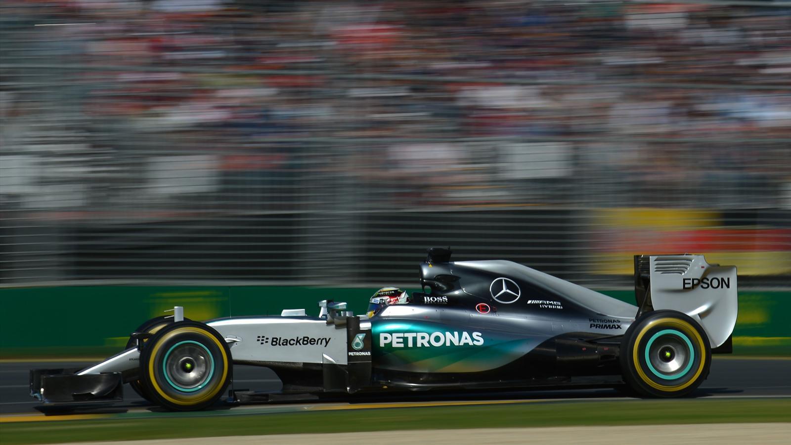 Spécial Sebastian Vettel (Formule un) - Page 12 1436358-30724054-1600-900
