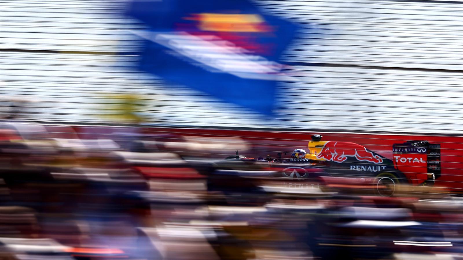 Spécial Sebastian Vettel (Formule un) - Page 12 1436986-30736614-1600-900