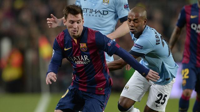"""Hart a tenté de lui piquer la vedette mais Messi est un ovni qui """"a régalé même les joueurs de City"""""""