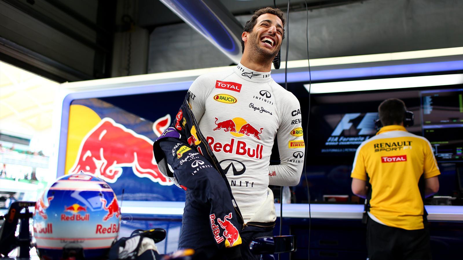 Spécial Sebastian Vettel (Formule un) - Page 18 1445175-30900350-1600-900