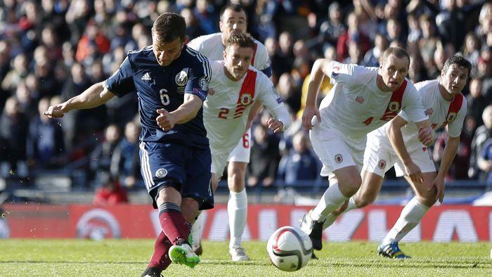 986d13d05bc Steven Fletcher scores hat-trick as Scotland rout Gibraltar - Euro ...