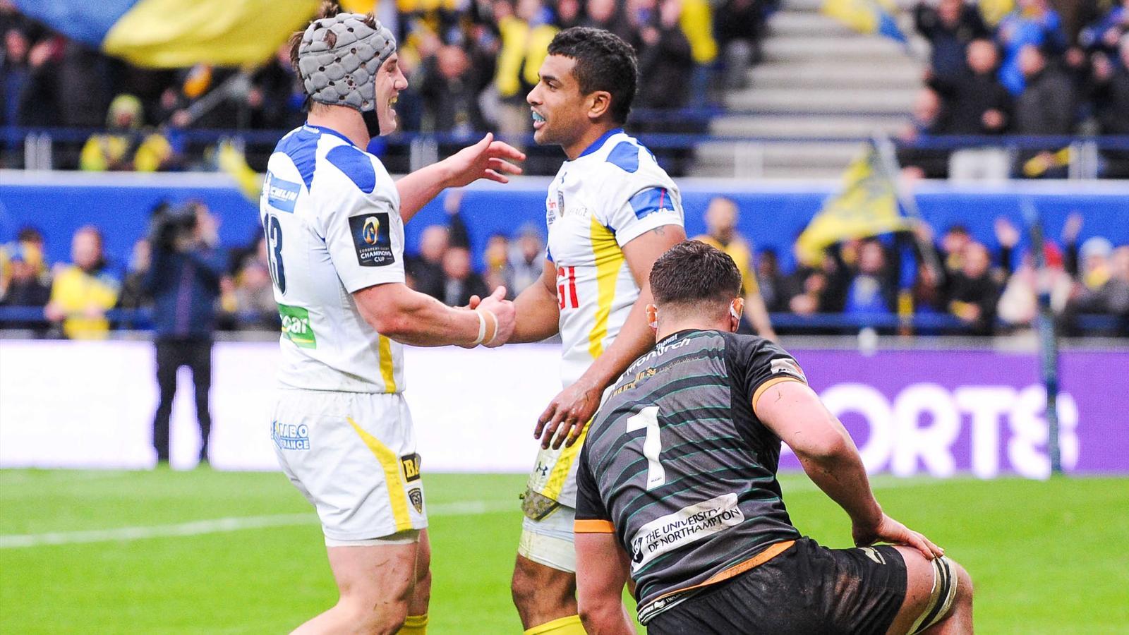 Wesley Fofana (Clermont) félicitait par Jonathan Davies - 5 avril 2015