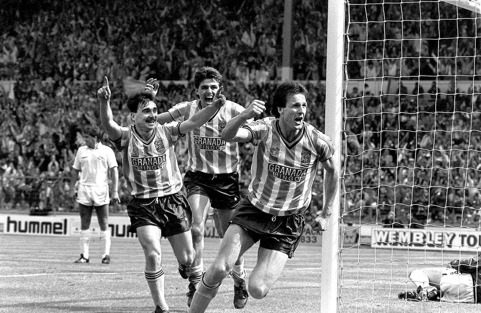 Микки Джин, Ник Пикеринг и Кейт Хоушен в финале Кубка Англии-1987