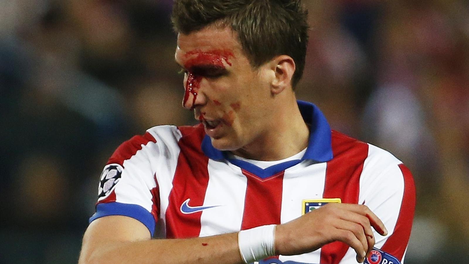 Paul Scholes: Bloodied Mario Mandzukic 'made meal of ...
