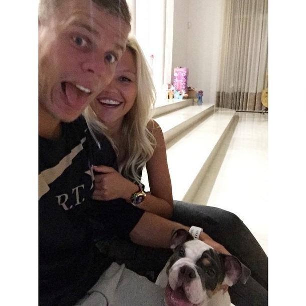 Кайл уокер видео девушки и собаки
