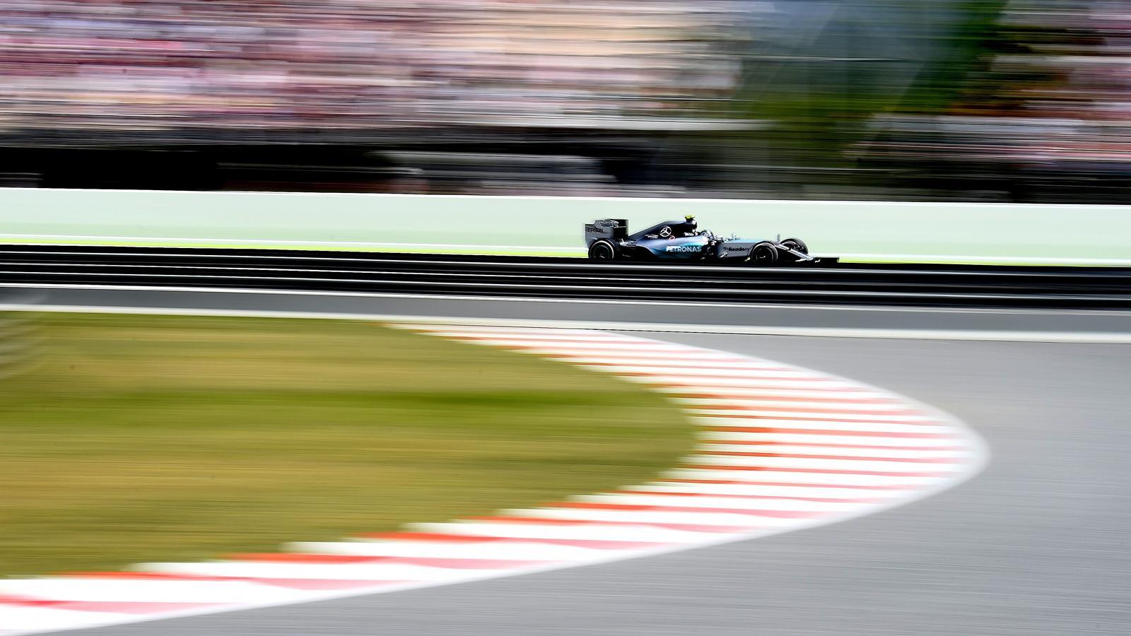 Spécial Sebastian Vettel (Formule un) - Page 18 1504911-32095388-1600-900
