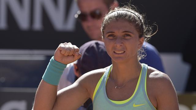 Sara Errani non si ferma più; l'azzurra batte Haddad Maia e vola ai quarti
