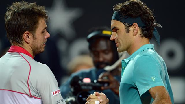 Federer donne la leçon à Wawrinka avant de retrouver Djokovic